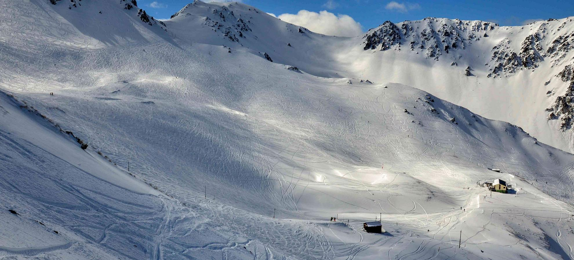 Off Piste Skiing New Zealand